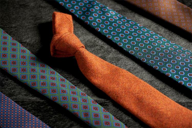 lo stile cappelli cravatte